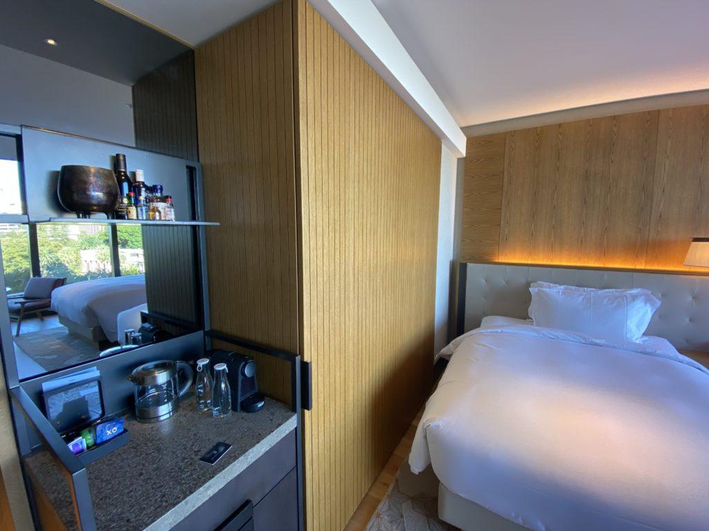 高級ホテルのザリッツカールトン パースのドリンクバー