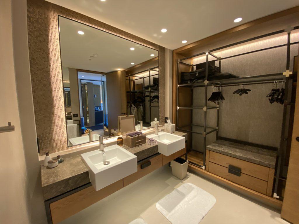 高級ホテルのザリッツカールトン パースの更衣室