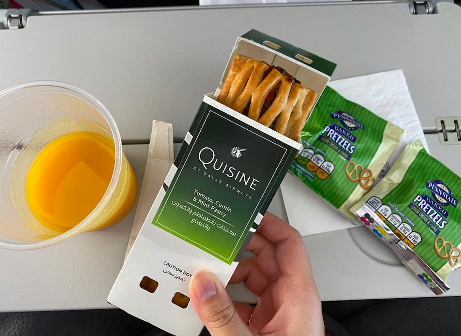 カタール航空の機内食(スナック)